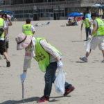千鳥ヶ浜で海岸清掃を実施/回胴遊商中部・北陸支部