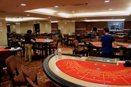 マカオ理工学院ゲーミングティーチング&リサーチセンター併設の模擬カジノ施設(資料)=筆者撮影